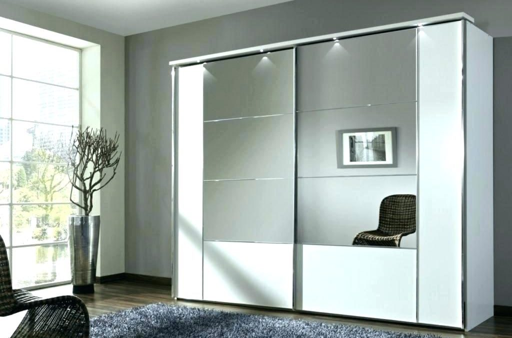 Pros and cons of sliding door wardrobes