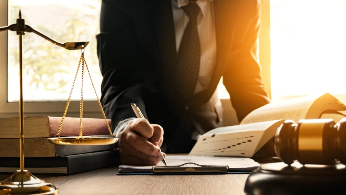 What Does a Car Accident Lawyer Do?