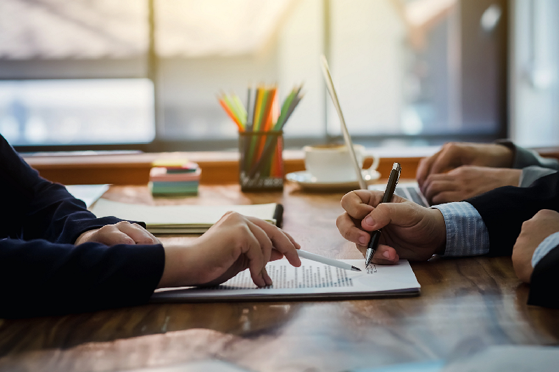 Why should you choose alternative lenders to get a small business loan?