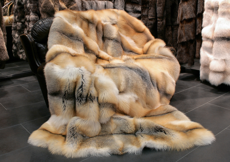 A Guide on Some of the Best Real Fur Blankets and the Different Ways to Maintain Them
