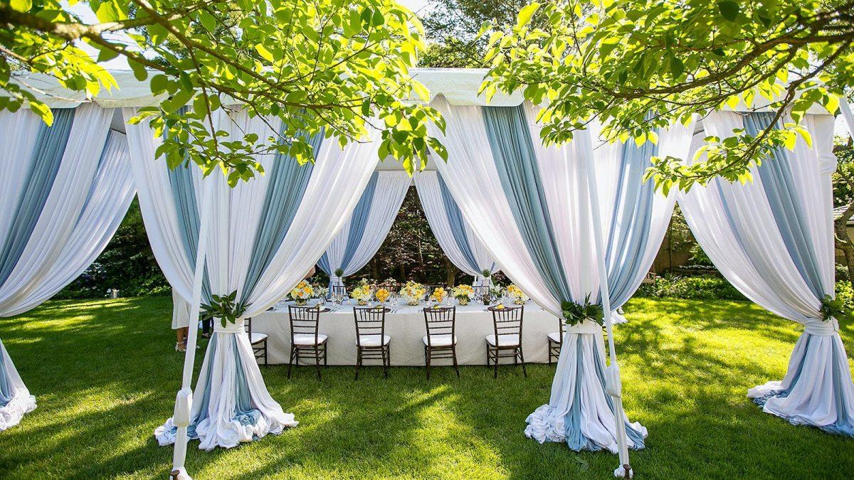 Backyard Beauty: The Wedding of Your Dreams in Your Backyard