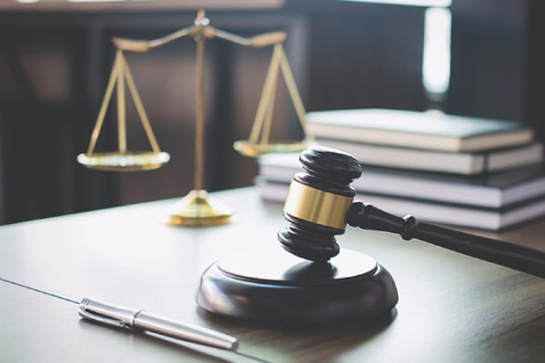 A Guide on How to Pick an Attorney and How Civil Litigation Lawyers Can Help